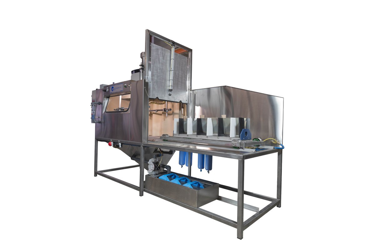 automated wet blasting equipment